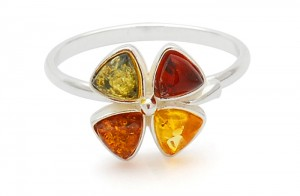 Mixed colour amber ring