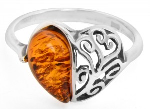 Cognac amber ring Heart