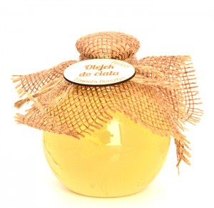 Nourishing and moisturizing body oil with amber extract