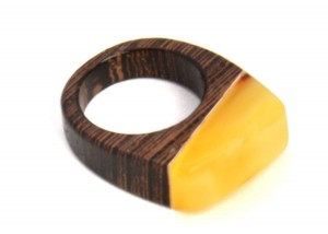 "Amber and wood ring ""Modern II"""